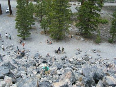 Field Trip to the Inyo Crater Obsidian Source