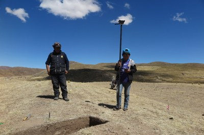 Mateo and Juan Jose recording excavation units by GNSS at Wilamaya Patjxa.