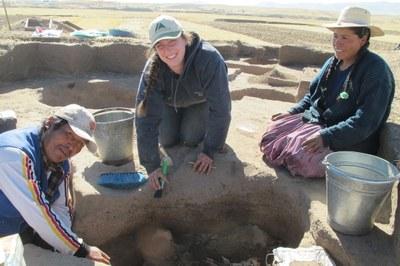 Mateo, Lauren, and Rocio excavating an Archaic Period feature at Soro Mik'aya Patjxa.