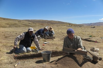 Nestor, Bill, Rocio, and Lauren excavating at Wilamaya Patjxa.