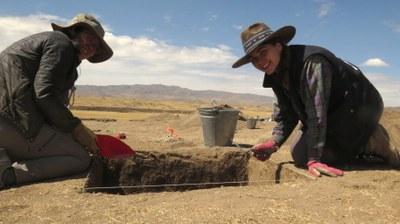 excavation at Wilamaya Patjxa begins... Esme and Alex excavating.